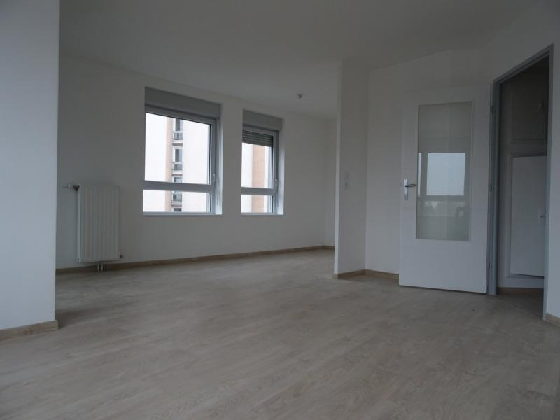 Appartement en location à la madeleine ref 176 2